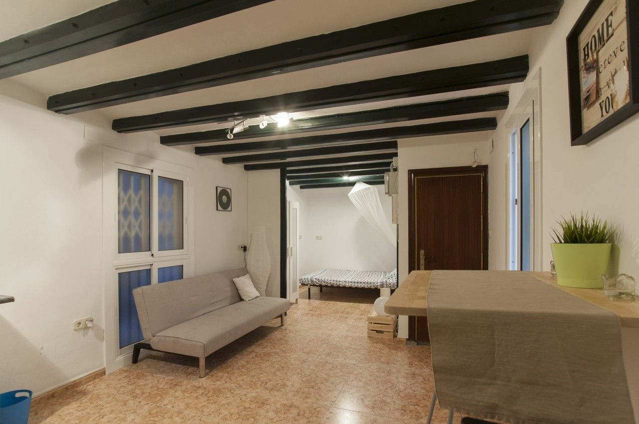 Piso en Carrer sant vicenç, s/n. Totally furnished apartment, perfect for investors