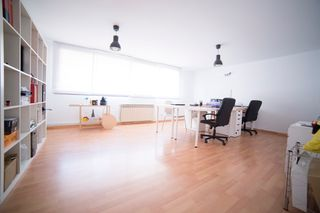 Office space in Carrer ramon llull, sn. Oficina consulta depacho