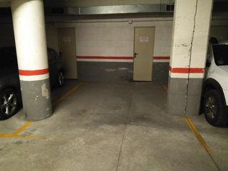 Location Parking voiture  Carrer de la granja, 17