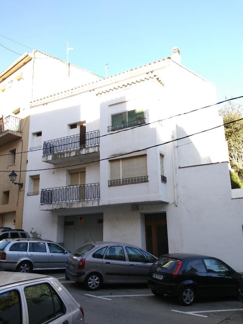 Semi detached house  Carrer del roser, 5. Riudecols
