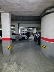 Rent Car parking in Carrer mossen higini angles, 11. Parking coche