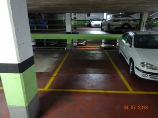 Car parking in Carrer galileu, 208. Parking en venda al centre de terrassa