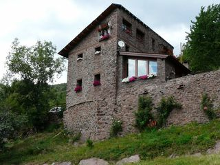 House in Cn-260 sort-adrall p.k. 268,. Preciosa masia  en pirineos  casa rural