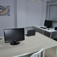 Rent Office space in Carrer doctor robert, 40. Oficina en badalona