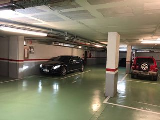 Car parking in Carrer joan fuster, 2. Particular vendo plaza parking consum