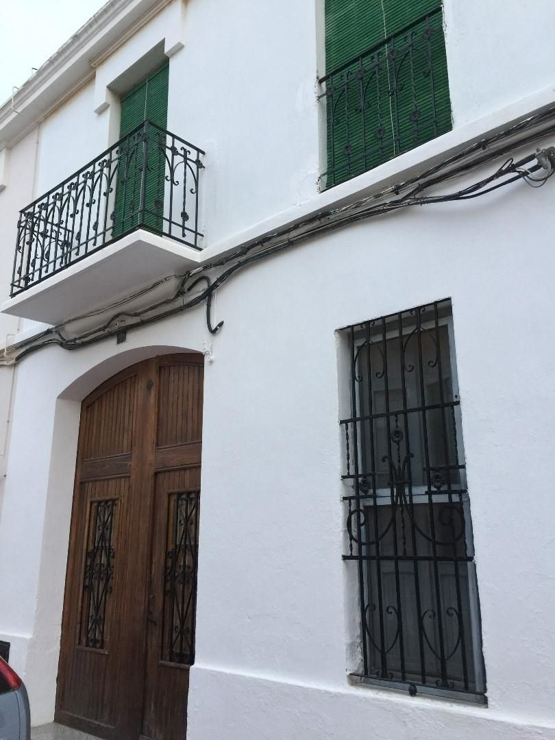 Semi detached house  Calle via. Museros