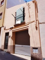 House in Carrer jaume i, 2. Casa de pueblo antigua