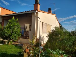 Chalet in Carrer alzines, 2. Casa independiente con piscina