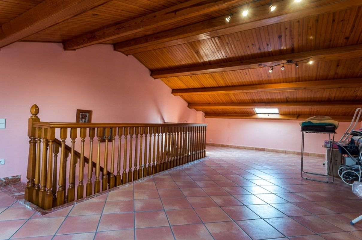 Semi detached house in Calle cardenal tarancon, 5. Unifamiliar solo venta