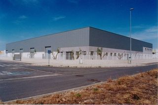 Rent Industrial building in Calle polígono industrial el collet,609