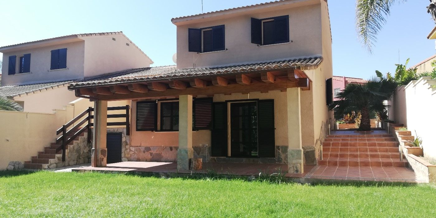 Rent Towny house in Calle vinalopo, s/n. Bonito,tranquilo ideal para vivir con bella vista