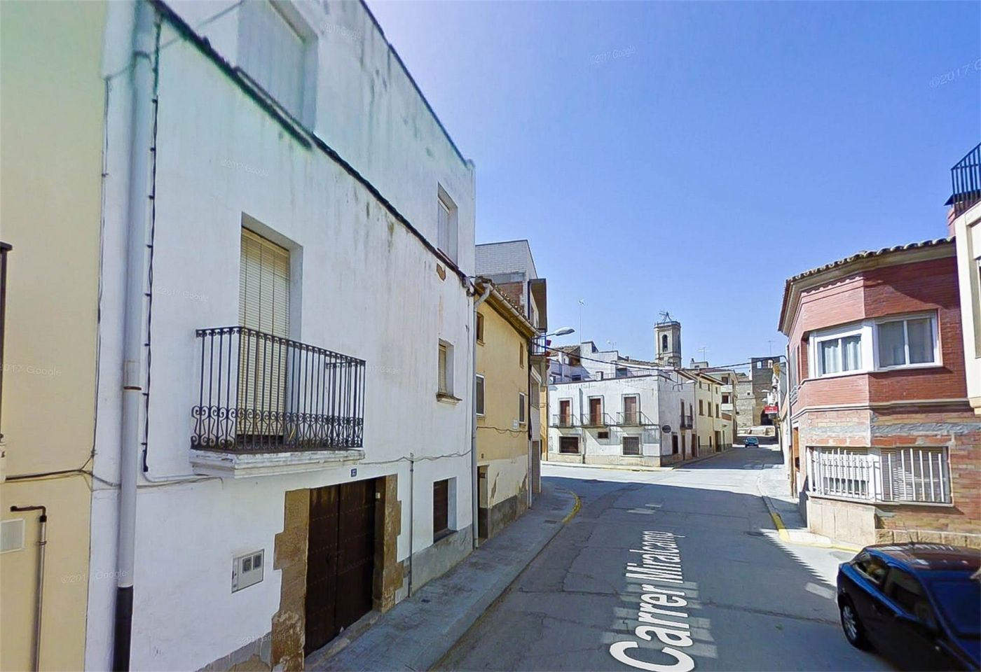 Semi detached house in Carrer miralcamp, 37. Torregrossa / carrer miralcamp