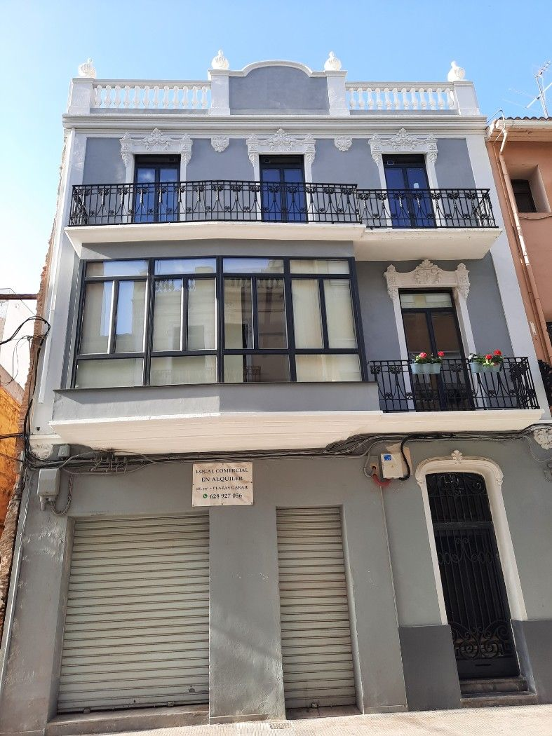Rent Business premise in Calle sant francesc d. Local muy centrico
