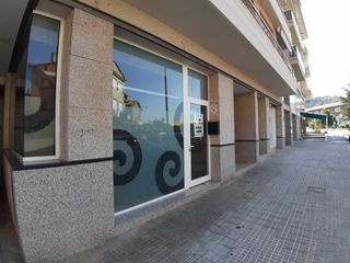 Rent Office space in Carrer pere ii de berga, 45. Local comercial totalment equipat