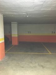 Aparcament cotxe en Calle conde de urgel, 1. Parking edificio reina