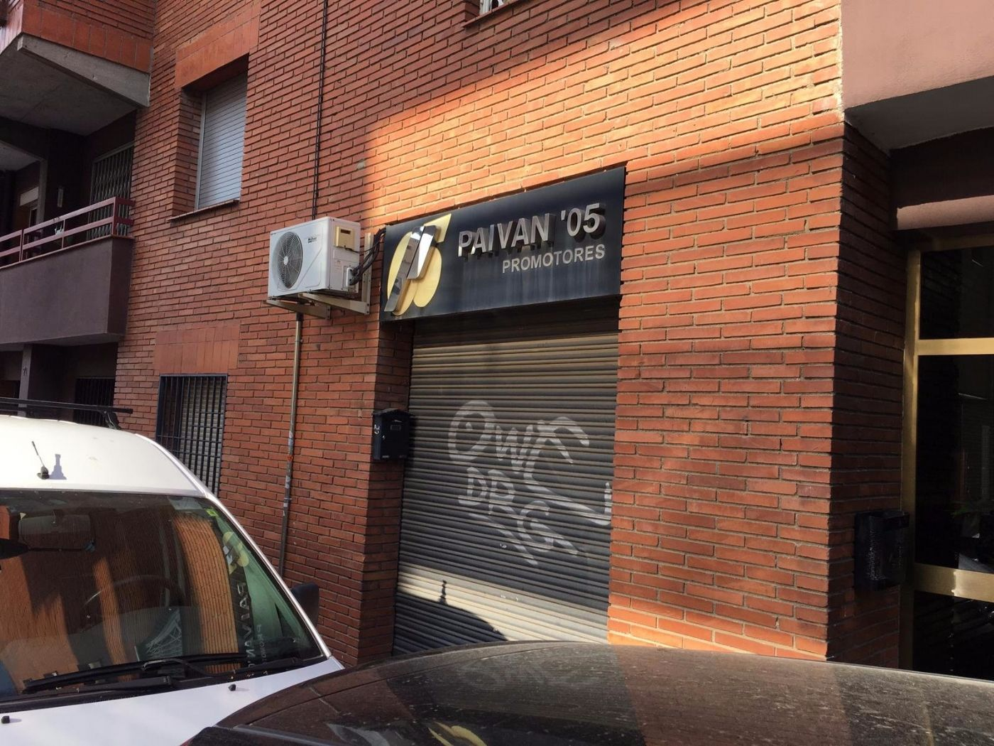 Oficina en Carrer doctor robert, 73. Urge vender