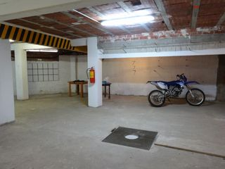 Local industrial en Carrer sindicat, 96. Urge vender