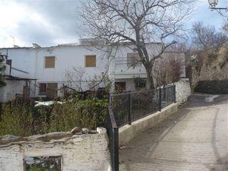 Casa adosada en venta en Bérchules. Bérchules   Ca