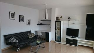 Rent Flat in Carrer candela, 28. Precioso apartamento.ideal estudiantes o maestros.