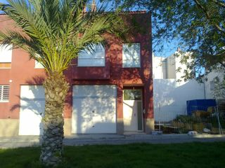 Semi detached house in Calle sant domenec, de, 24. Fantastico adosado muy amplio y centrico
