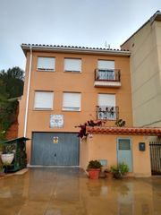 Semi detached house in Calle moli de foc, 44. Vivienda adosada independiente en la pobla tornesa