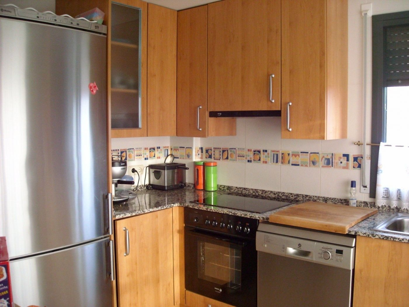 Appartamento in Carrer vila de toluges, 3. Impecable piso semi-nuevo con parking y trastero!!