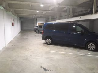 Rent Car parking in Costa i fornaguera/ monturiol,. Parking en planta baja