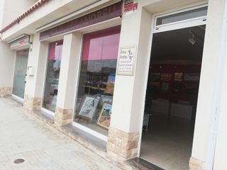 Business premise in Av. barcelona,, 57. Mucha luz, parquin.