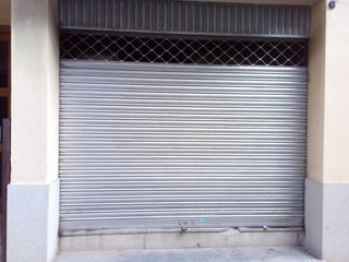 Lloguer Local Comercial en Carrer sant sebastia (de), 32. Local en venta