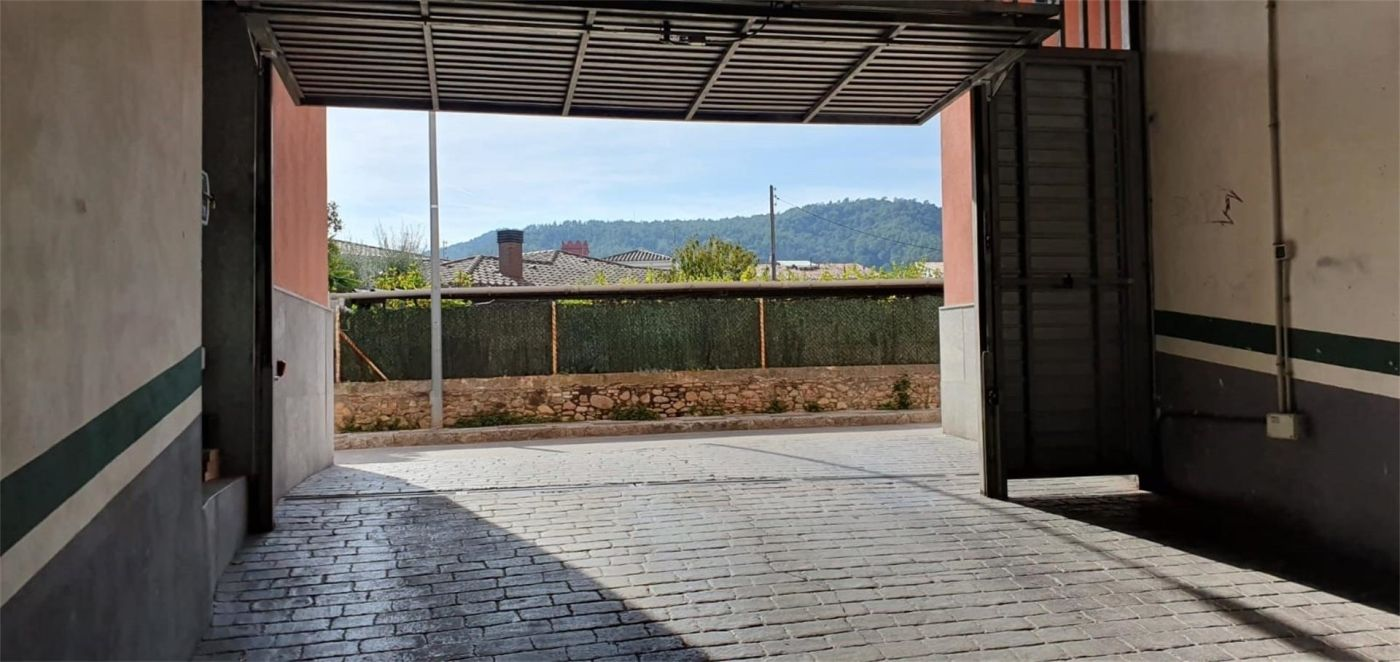 Parking coche  Carrer francesc moragas, 32. Santa coloma de farners