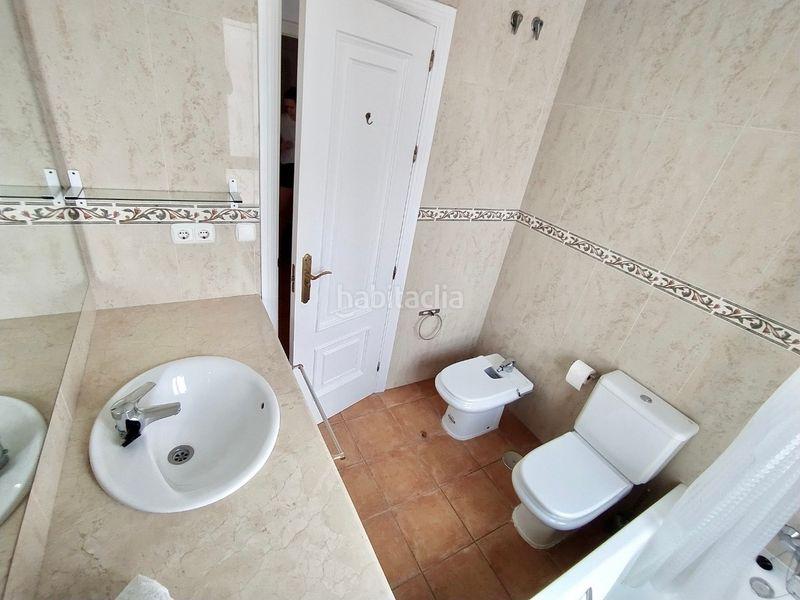 Piso en Calle jacinto benavente, 37. Un hogar céntrico con luz, vistas al mar y piscina (Marbella, Málaga)