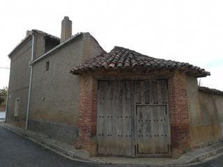 Casa en venta en Sahagún. Casa rustica, bien conse