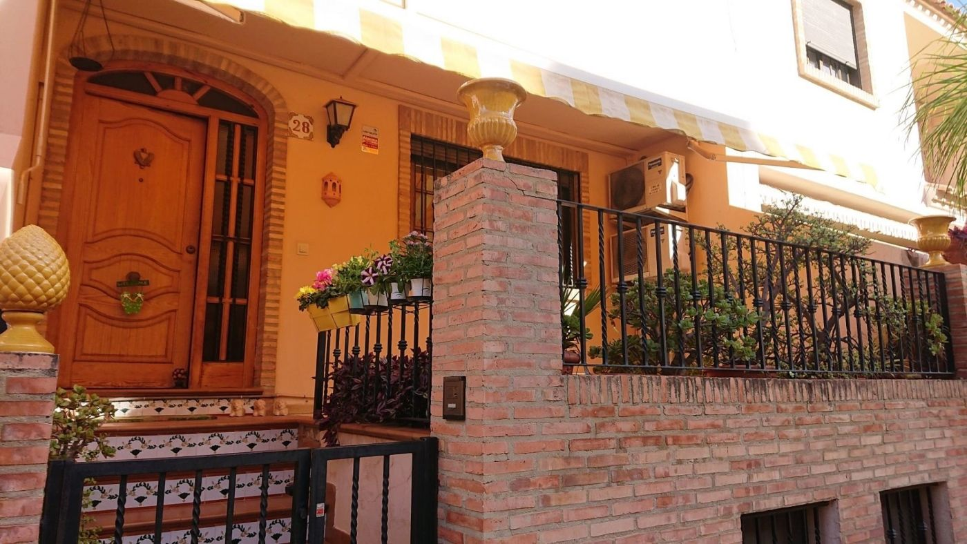 Semi detached house in Calle salvador giner, 28. Almàssera / calle salvador giner