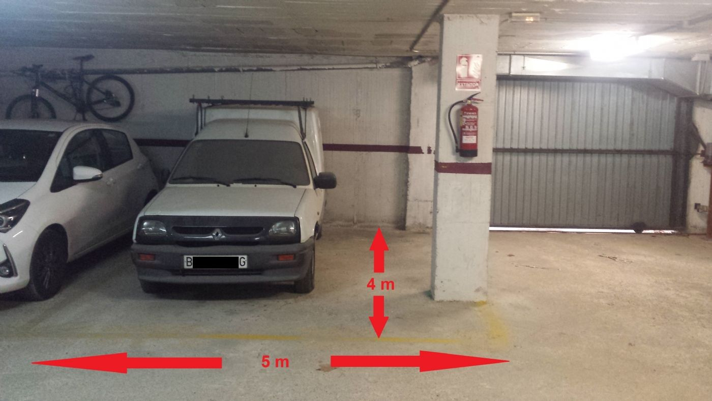Autoparkplatz in Carrer can cosme, 5. Parking grande riera subirans, 20 m2