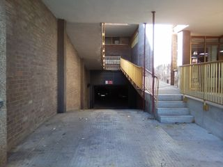 Rent Car parking in Carrer joaquim mir (de), 81. Pk. en venda - riera miró - zona c. comercial fira