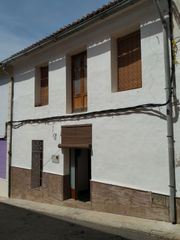 Semi detached house in Calle sant pere, 6. Casa de pueblo