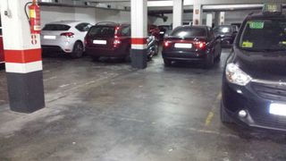 Rent Car parking in Carrer joan pfaff, 33. Alquiler plaza parking amplia para coche grande