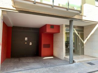 Parking coche en Carrer valles, 22. Parking en venta calle valles, centrico.