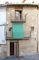 Semi detached house in Calle julian prats, 53. Morella premio unesco patrimonio de la humanidad