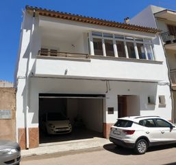 Semi detached house in Carrer fortalesa, 18. Particular - casa dos plantas en sa pobla