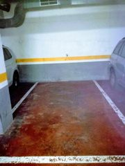 Location Parking voiture à Carrer clementina arderiu, 20. Plaza de garage