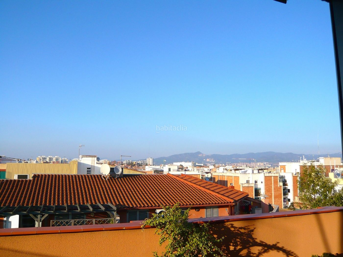 Atico reformado con terraza junto ronda sant ramon Sant Boi de Llobregat