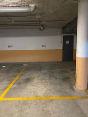 Rent Car parking in Carrer puig i ferrater, sn. Plaza párking en alquiler