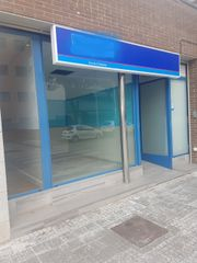 Affitto Locale commerciale in Carrer canigo, 5. Local comercial disponible.