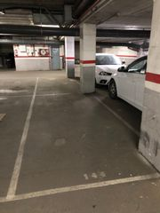 Parking voiture à Passeig del terraplè, 38. 2 plazas de parking en venta en paseo terraple