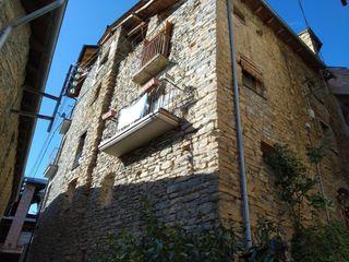Casa adosada en alquiler en Sort Pirineos. Sort. C