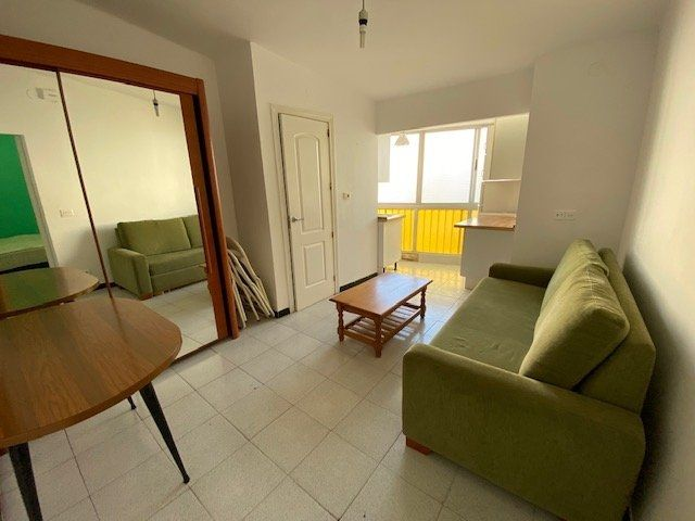 Rent Flat in Carrer osca (d, 4. Estudio en salou playa capellans  llevant