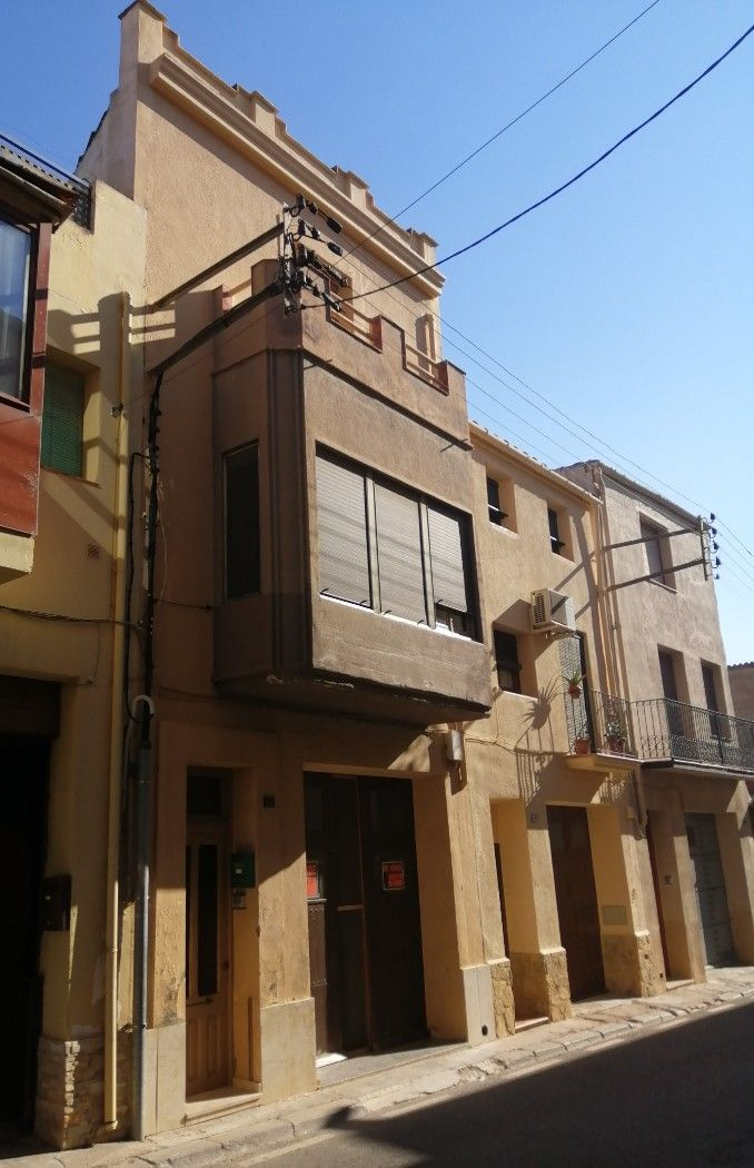 Semi detached house in Carrer sant miquel, s/n. Casa de 3 plantas