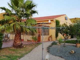 Piso en Travessera sant isidre, s/n. Superb country house