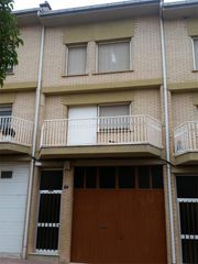 Semi detached house in Carrer de les monges, 77. Artesa de segre / carrer de les monges